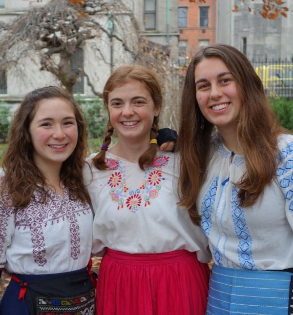 Claire Gottsegen ('17), Charlotte Finegold ('17), and Amanda Crego-Emley ('17).